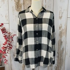 H&M Flannel checkered long sleeve shirt